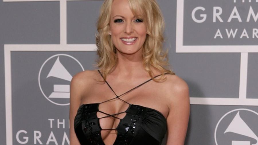 Abogada de Trump es vinculada a caso de actriz porno