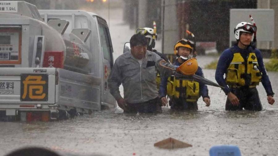 Lluvias en Japón aumenta cifra de muertos a 52