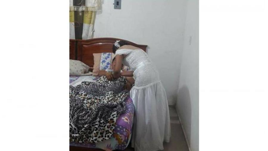 Atender Abandona Novia Para Enfermera De Boda Vestida Notigape q0wU8vn