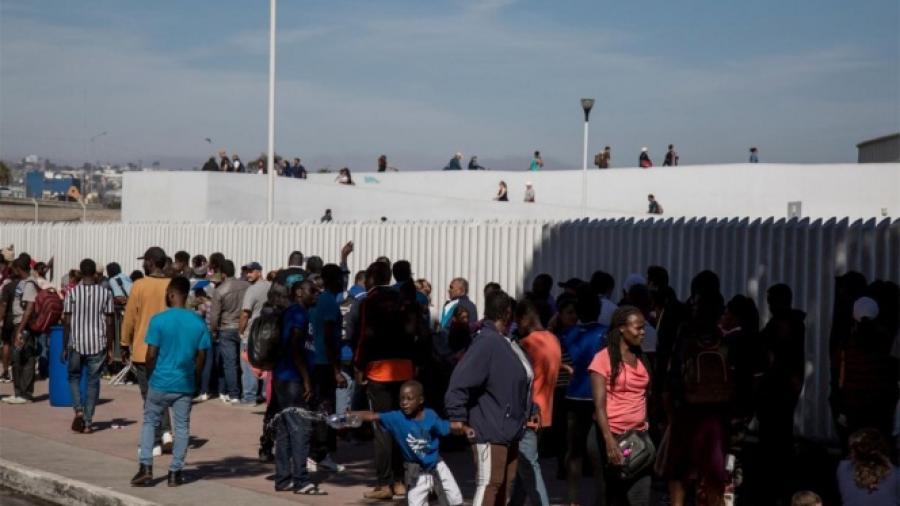 EU entrega a México 11 mil 922 migrantes