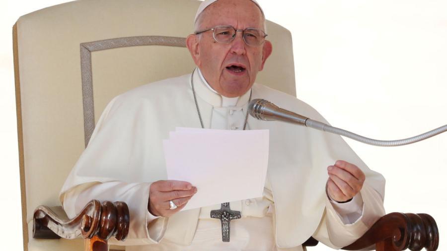 """El Papa Francisco compara el aborto con el recurrir a un """"sicario"""""""