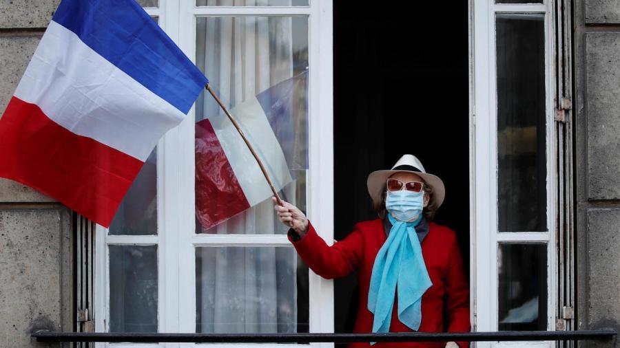 Francia registra cifra más alta de muertes en un día por COVID-19 tras confinamiento