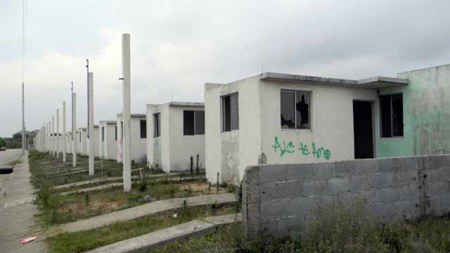 Casas en abandono causan molestias