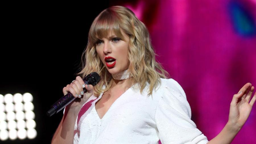 """Taylor Swift transmitirá concierto íntimo de """"Folklore"""" en Disney+"""