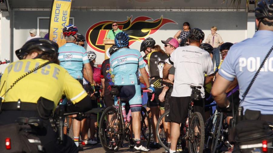 Homenaje a los ciclistas fallecidos a través de 'National Ride of Silence '