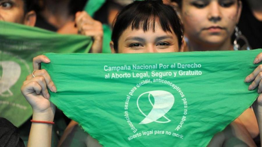 La ley que avala el aborto entra en vigor en Argentina