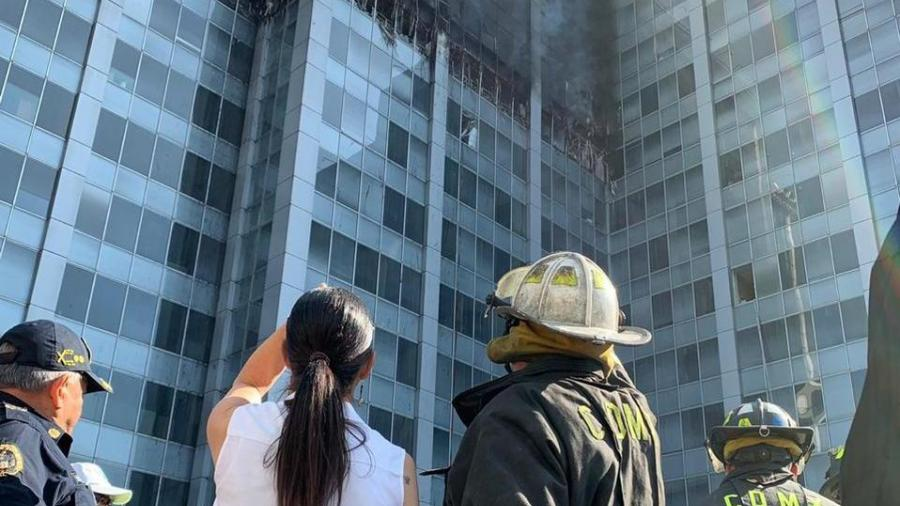 Procuraduría abre carpeta de investigación por incendio en Conagua