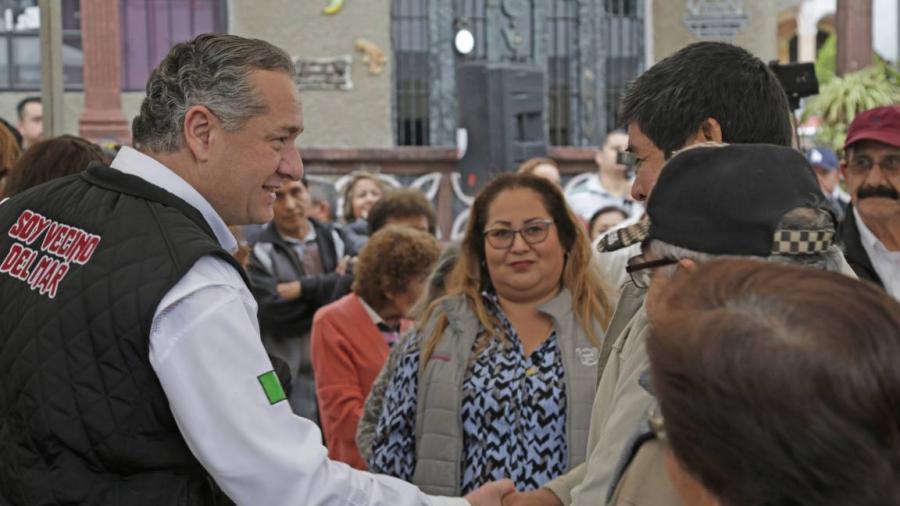 Adrián Oseguera lleva bienestar a las colonias con más obras de pavimentación