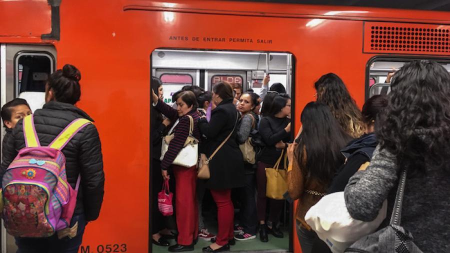 En 13 días abren 48 carpetas por intento de plagio en el metro