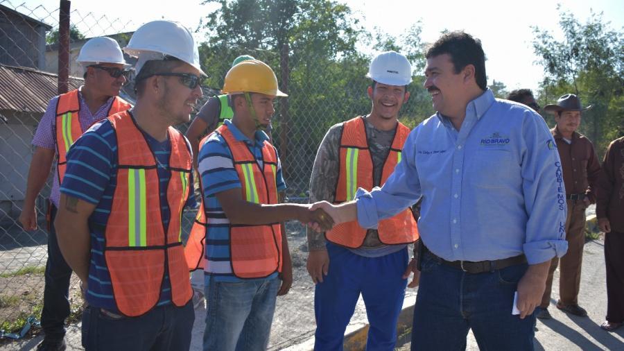 Inicia Municipio reposición de drenaje sanitario.