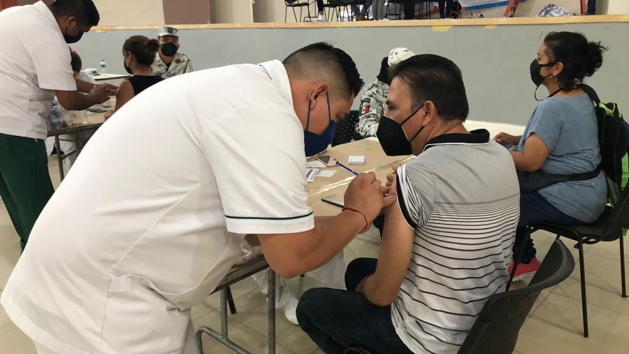 Inicia vacunación contra el COVID-19 para personas de 40 a 49 años de edad en Nuevo Laredo