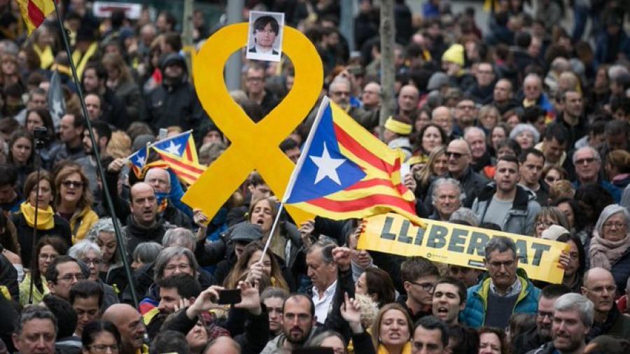 España indulta a los líderes independentistas catalanes presos