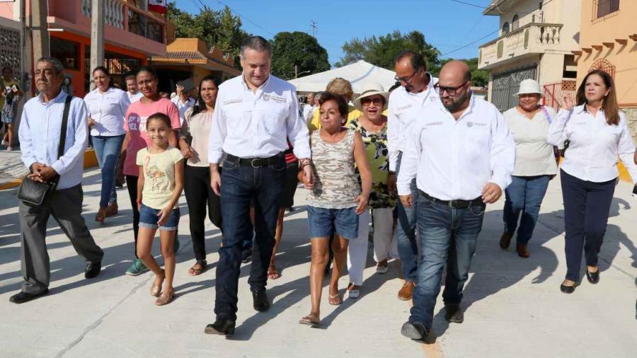 Inauguran vialidades en colonia Hipódromo