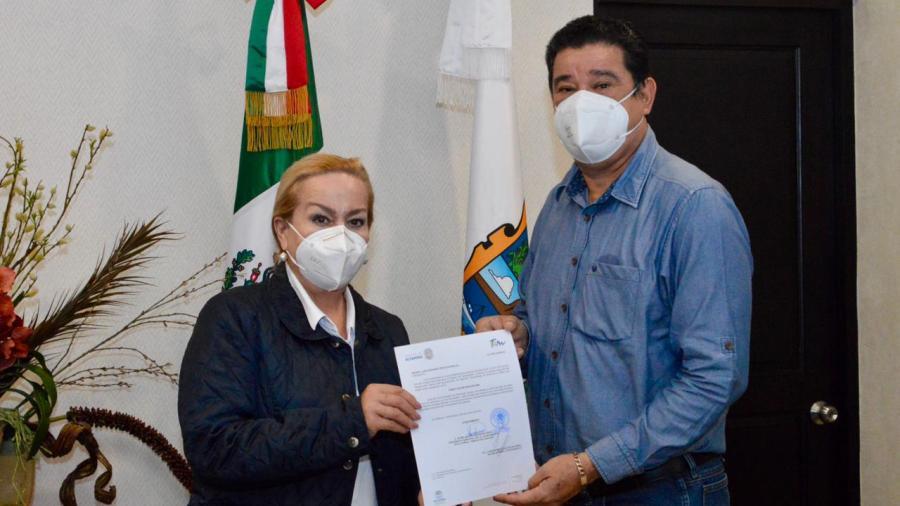 Nombra Alma Laura Amparán a nuevo director de Educación en Altamira