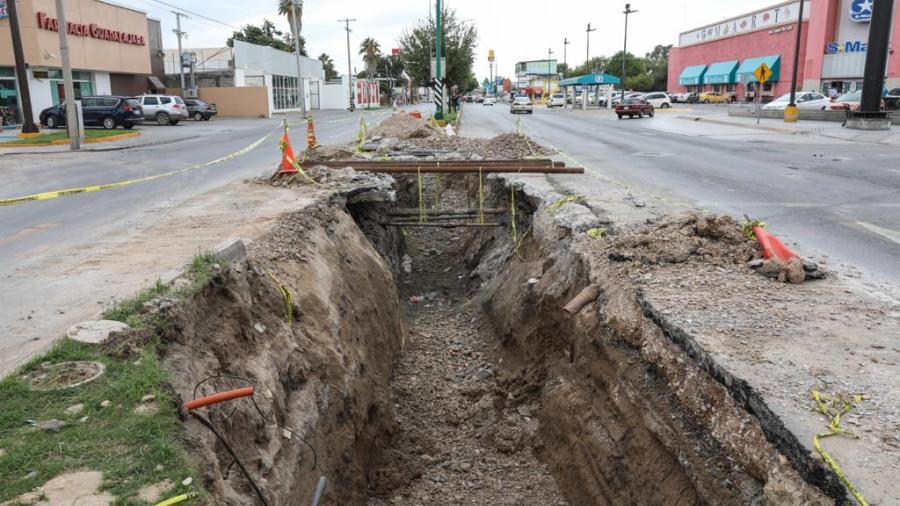 Acelera Enrique Rivas reparación del drenaje de la ciudad