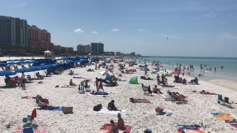 Condado Cameron reabre playas después de tormenta tropical Nicolás