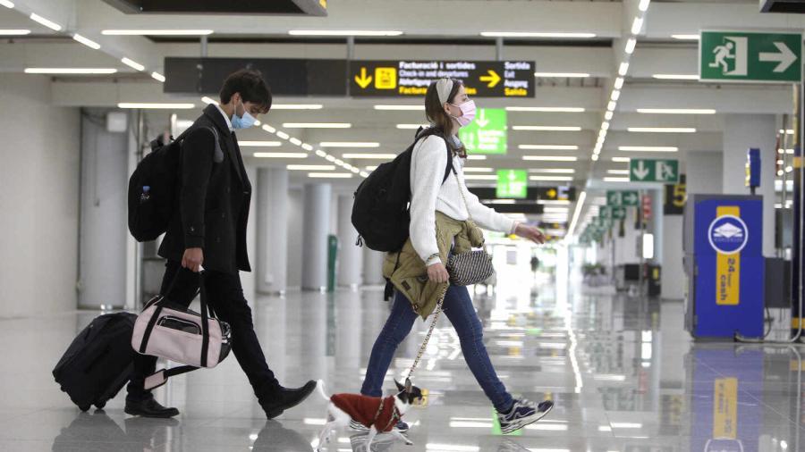 A partir de noviembre, viajeros extranjeros podrán ingresar a EU presentando esquema completo de vacunación