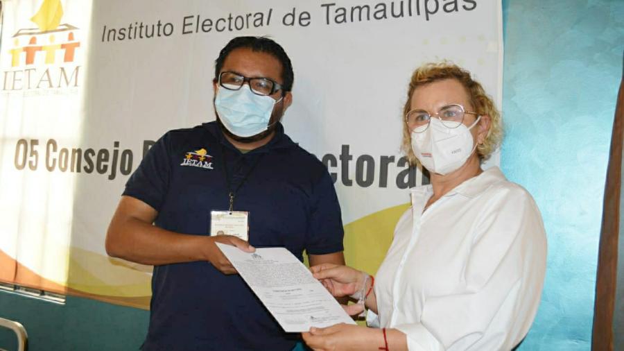 Recibe Magaly Deandar  constancia como diputada electa del 5o. distrito