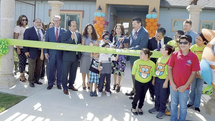 Inauguran en Laredo complejo de vivienda pública