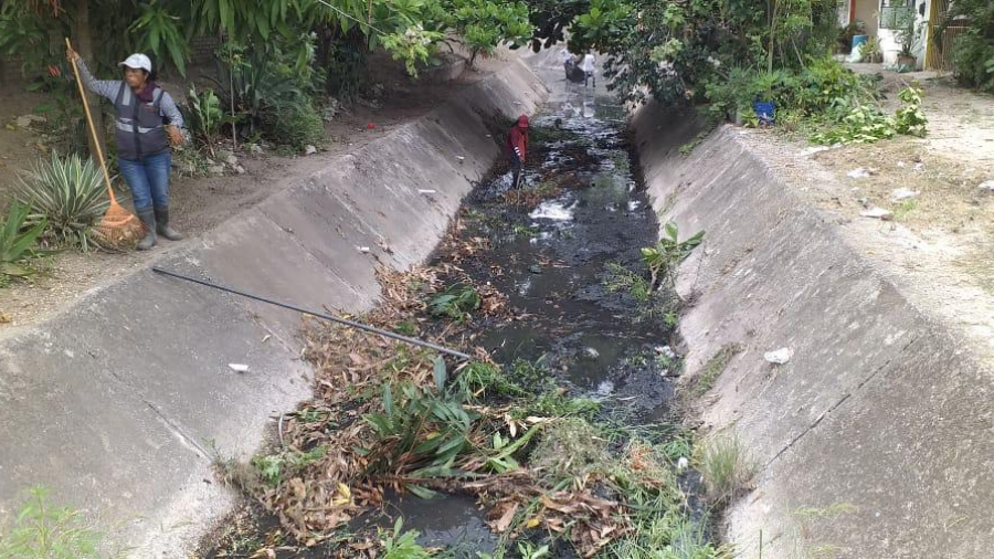 Continúa la limpieza de canales para prevenir inundaciones en Madero