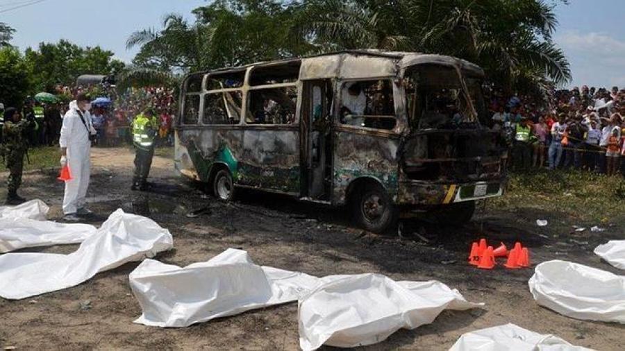 Al menos siete muertos tras explosión de un autobús en Colombia