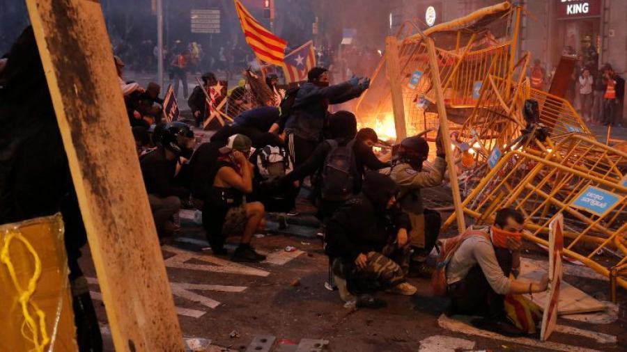 128 detenidos tras protestas en Cataluña