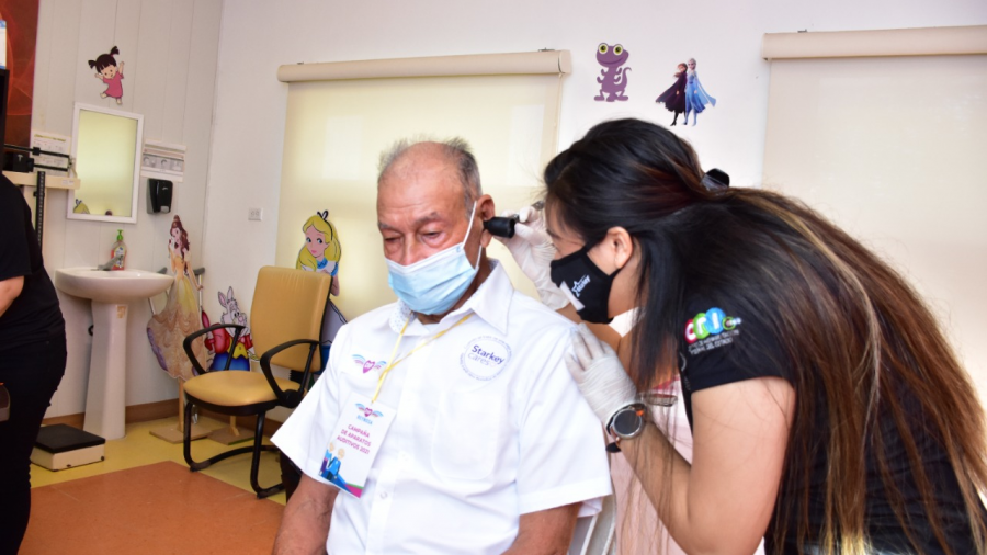 DIF Reynosa beneficia a 46 personas con aparatos auditivos