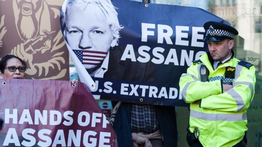 Assange dispuesto a cooperar, sólo si se reabre su caso