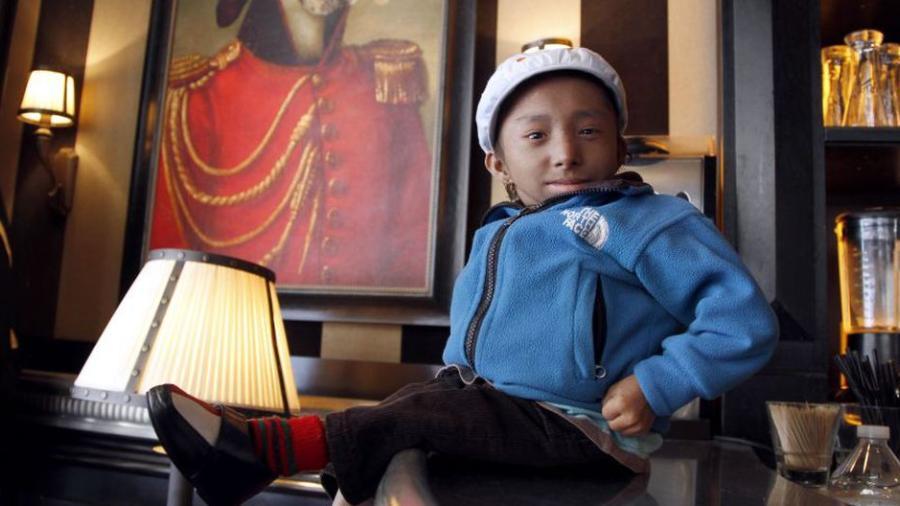 Muere en Nepal el hombre más bajo del mundo