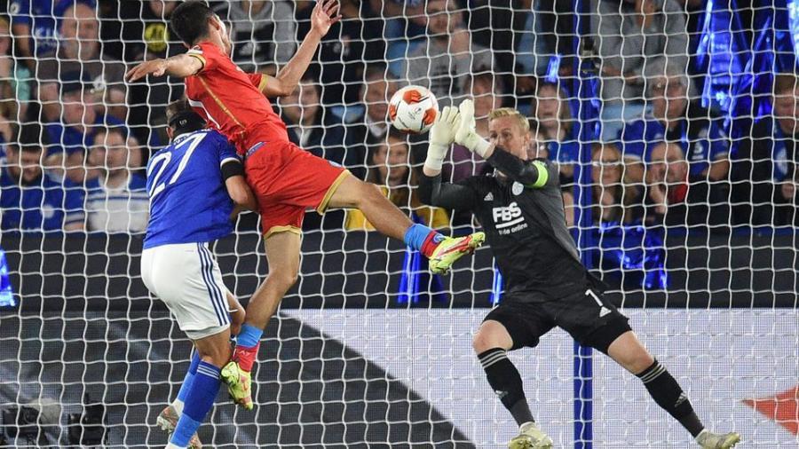 Napoli rescata empate ante el Leicester en EL