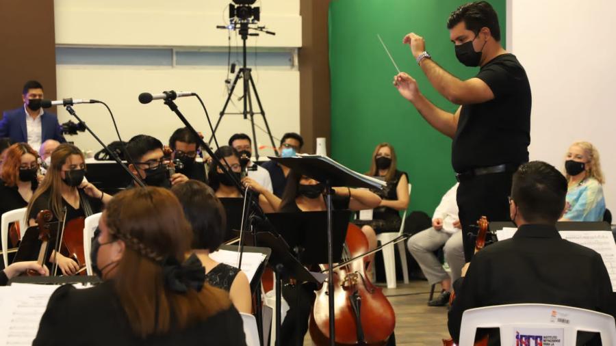 Educan con música a jóvenes