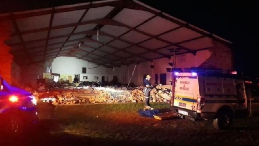 Deja al menos 13 muertos tras colapsar una iglesia en Sudáfrica