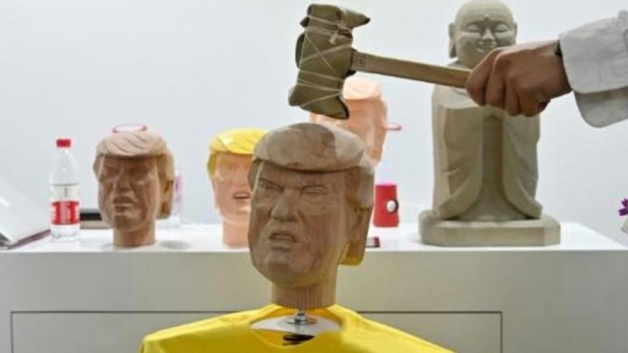 Golpear la cabeza de Trump para acabar con el estrés