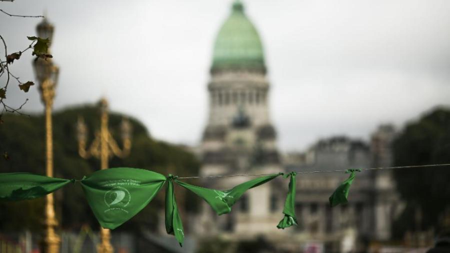 Debate por el aborto continuará, pero no habrá consulta popular: Macri