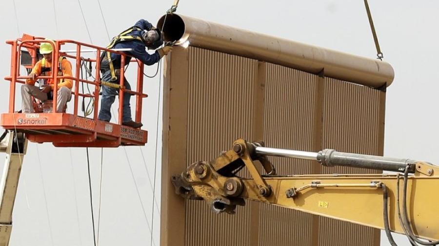 Prototipos de muro fronterizo pasan prueba y afirman, serán impenetrables