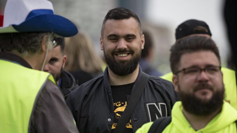 """Líder de """"chalecos amarillos"""" abandona colectivo tras amenazas"""