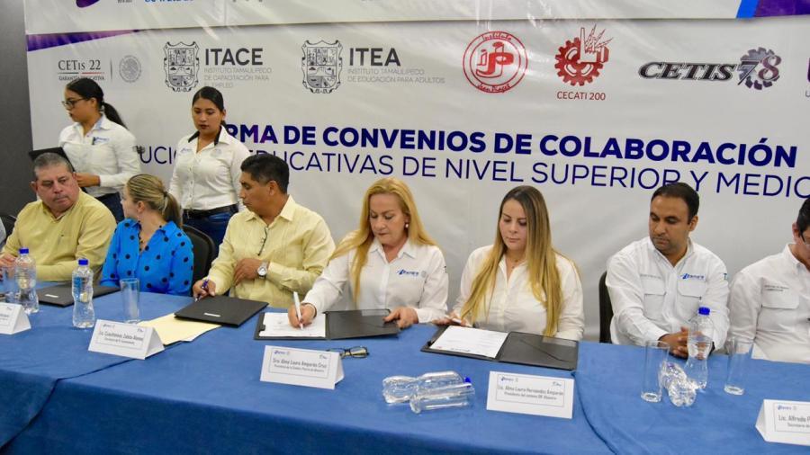 Gobierno de Altamira firma convenios de colaboración con institucioneseducativas