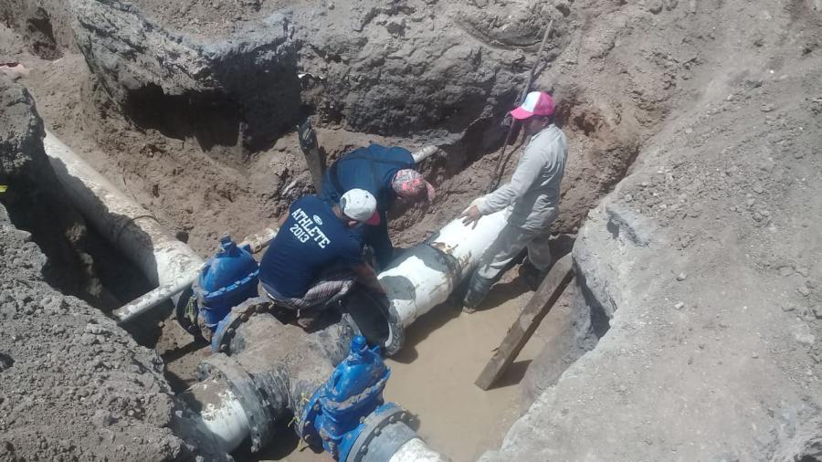 Rehabilitan conexión de red de agua potable en San Valentín