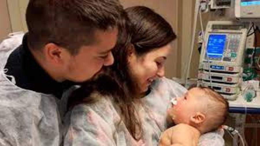 Bebé brasileño sobrevive al COVID-19 tras 32 días en coma