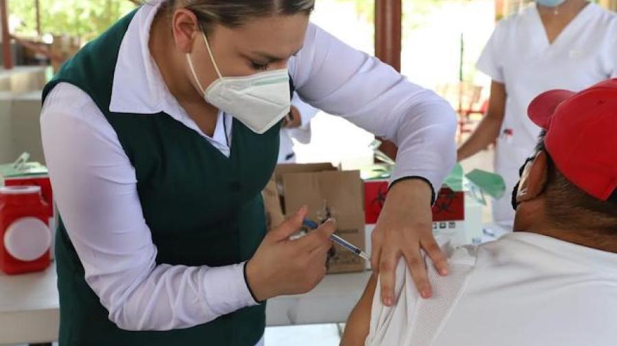 Arranca vacunación en adultos mayores en Tampico y Ciudad Madero
