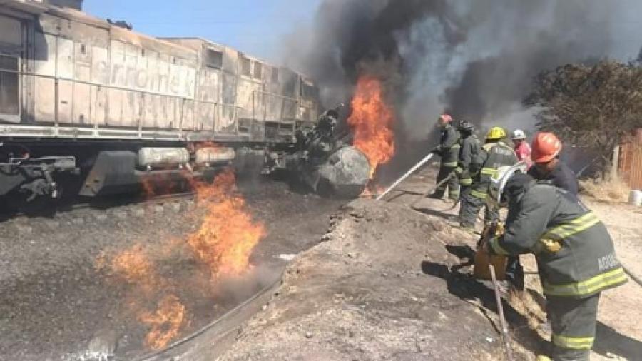 Pipa termina en llamas por intentar ganarle el paso al tren
