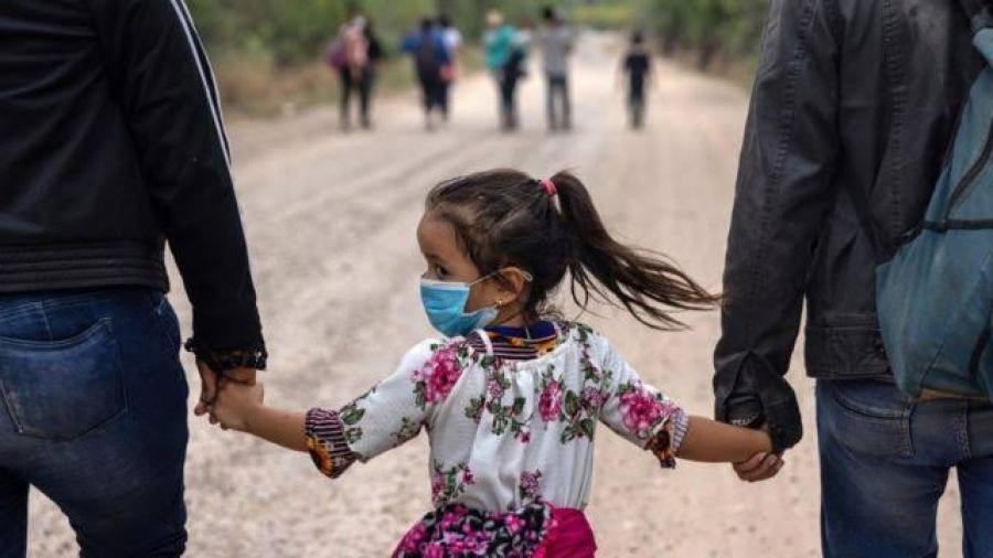 Falla Suprema Corte en contra de inmigrantes que piden residencia en EU