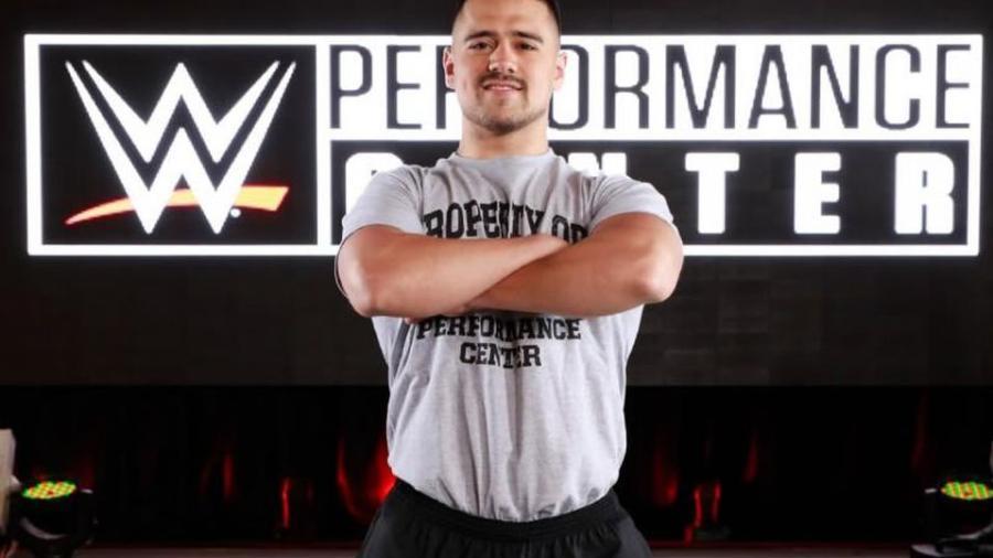 Humberto Garza es presentado en WWE