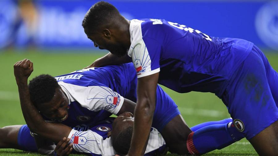 Haití derrota 3-2 a Canadá y clasifica a las semifinales de la Copa Oro