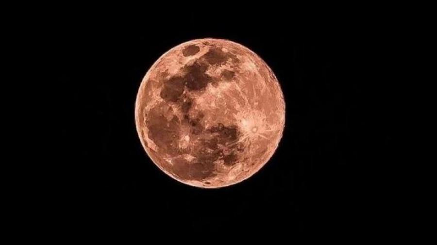 Este 26 de abril se registrará una 'Super Luna Rosa'