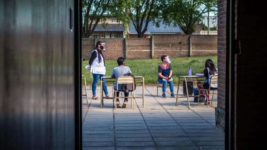 Aplican cierre parcial en Buenos Aires por coronavirus