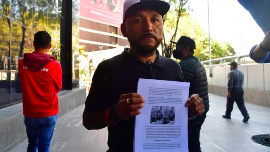 Presenta 'Mijis' demanda contra Lalo Mora tras acoso a fan