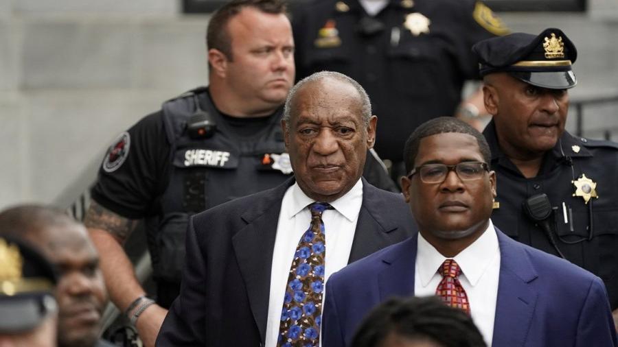 """Juez declara a Bill Cosby un """"depredador sexual violento"""""""