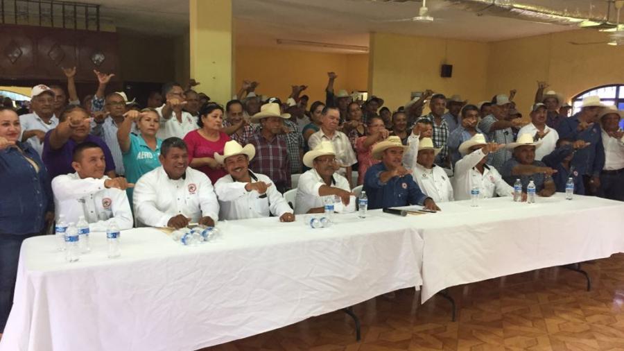 Dirigentes ejidales y representantes de sector agrario, parte de proyecto de Alma Laura Amparán