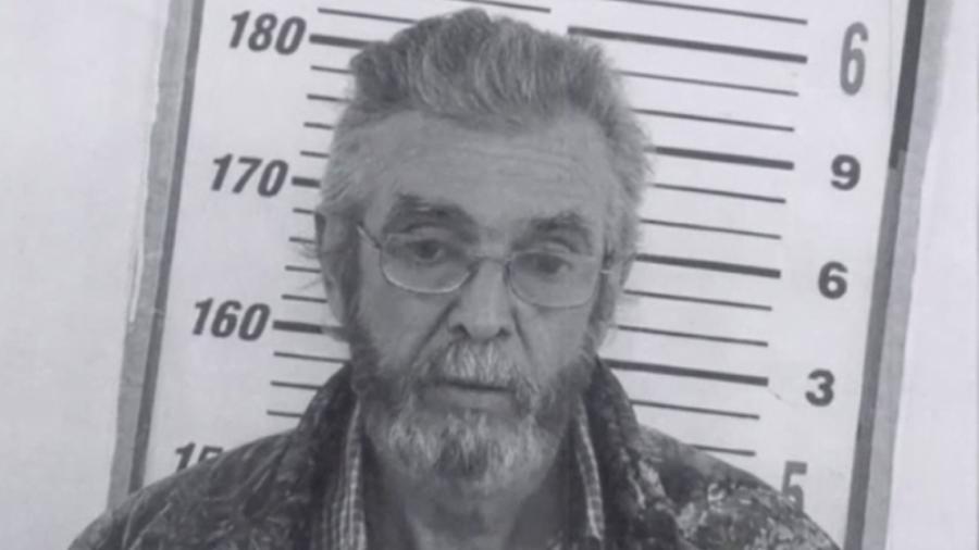 Detienen a hombre acusado de delitos sexuales contra un menor